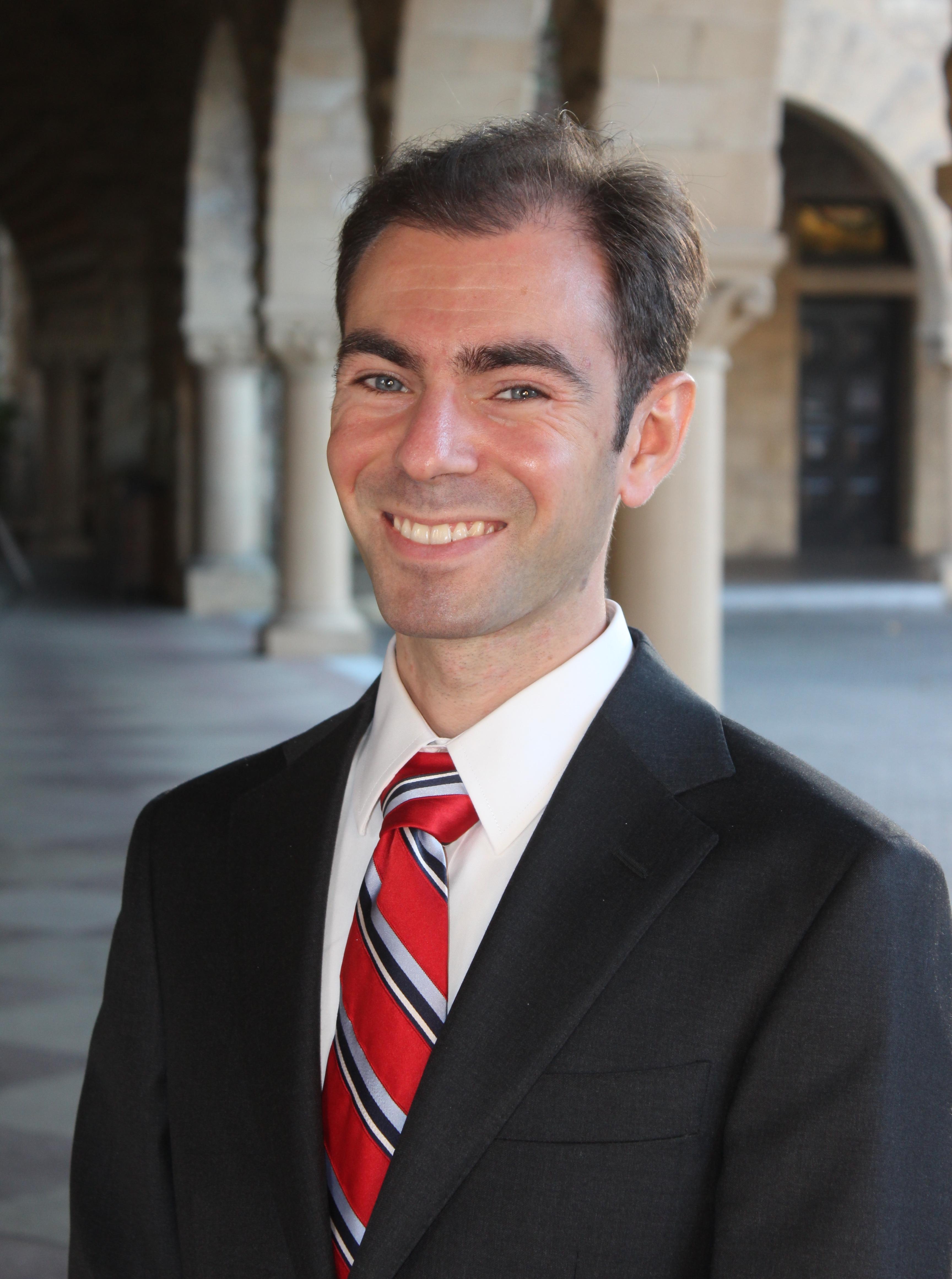 Headshot of Raviv Murciano-Goroff