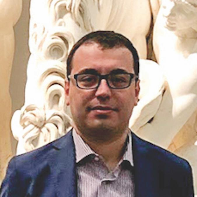 Headshot of Giuseppe Loianno