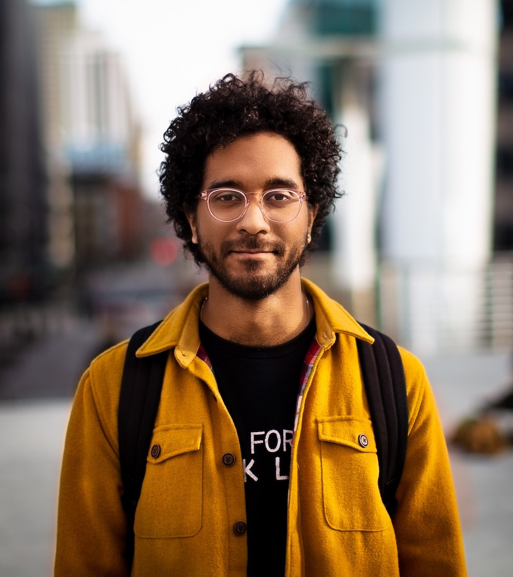Headshot of Mark Díaz