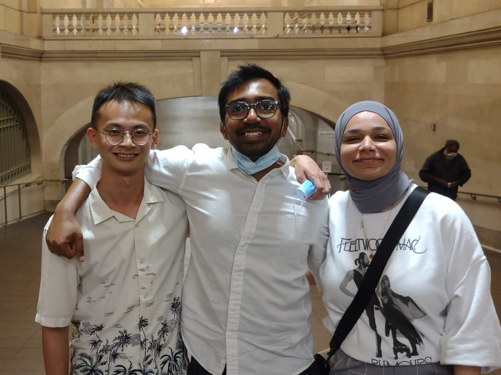 Lazarus and two classmates visit Grand Central Station.